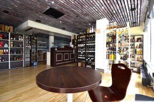 Fine Bottles interiér